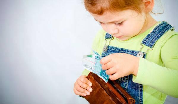 Нужен ли загранпаспорт ребенку до 2 лет