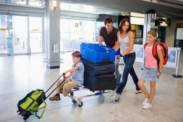 Как уехать за границу без денег