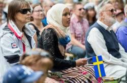 Эмигрировать в исландию